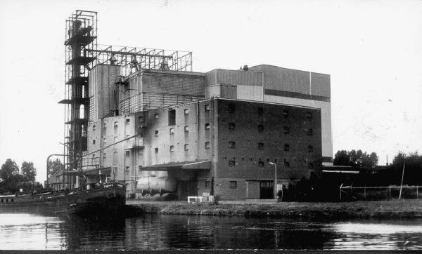 veevoederfabriek Steenbergen en Van Brink